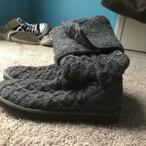 Grey knitted UGGS